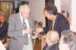 Ehrung: Herbert Hölderlin und Michael Knittel bekommen die bronzene Ehrennadel vom Kreisverband